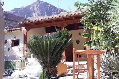 RUSTIK@&ARTE - San Bartolomé de Tirajana, Canarias, ES - Cottage