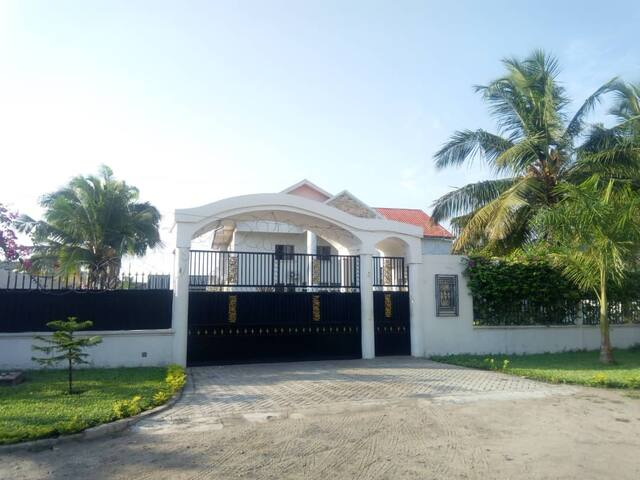 Nanuel Lodge