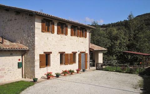 Restored Umbrian Villa (2-10 pers)