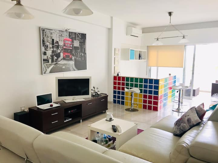 Great location 3 min to the beach, Limassol