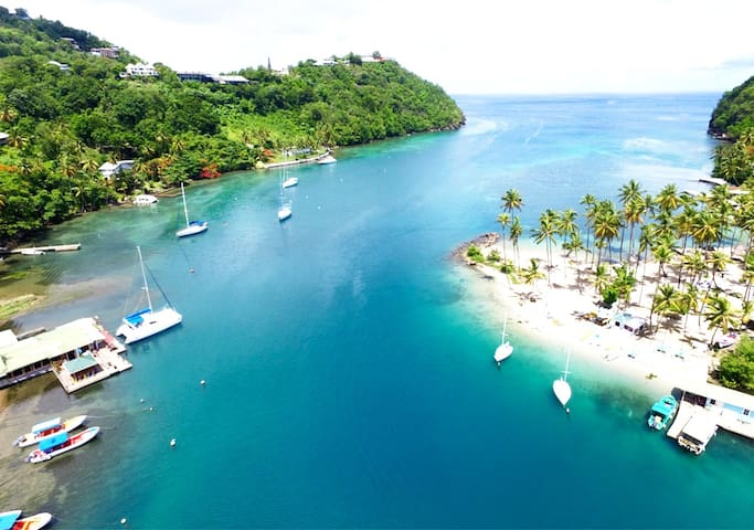 Marigot Bay Turquoise Blue Waters