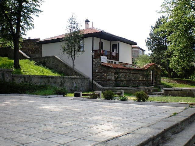 Gostopriemnica Georgi - Kalofer - Pension