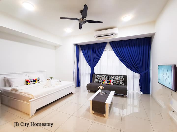 Grand Medini Deluxe studio #4 @JB city homestay