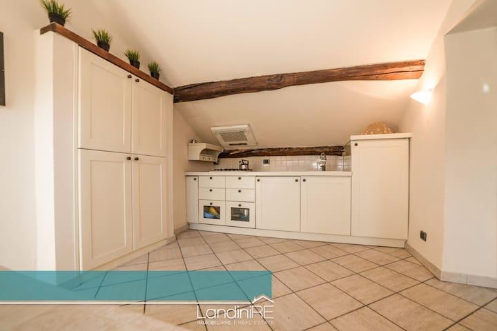 Bellissima mansarda ristrutturata - Diano Marina - Apartment