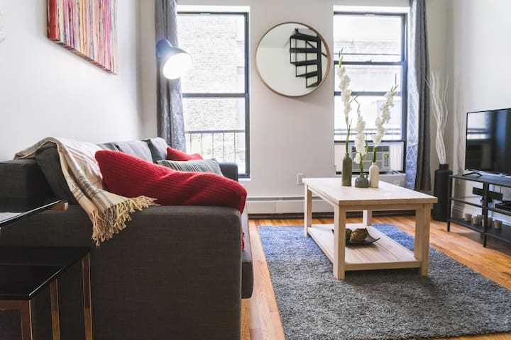 3 BEDROOM IN THE HEART OF Times Sq