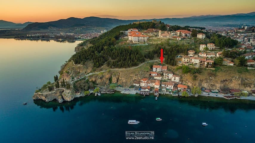 Lake view apartment in the old town - Villa Kaneo