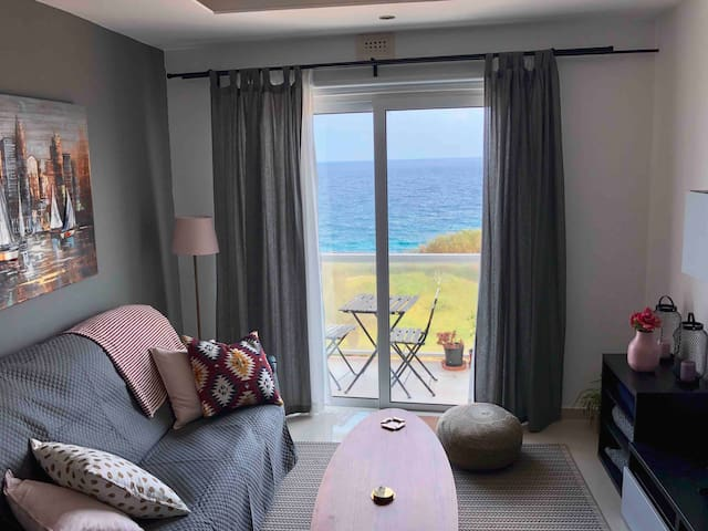 Modern Seafront Home, Marsalforn | wifi & a/c |