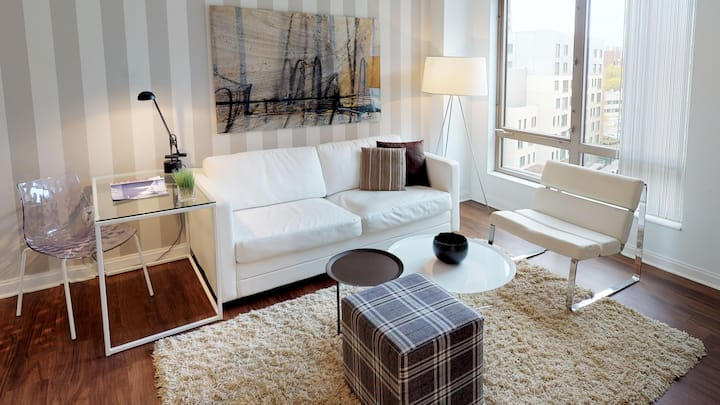 Chic 1 Bedroom Apt - Less than 10 Mins From MIT