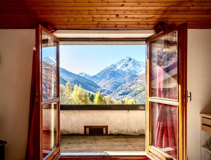 Mountain Paradise Apartment