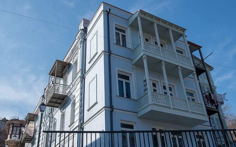 Anna's cosy home in Abanotubani