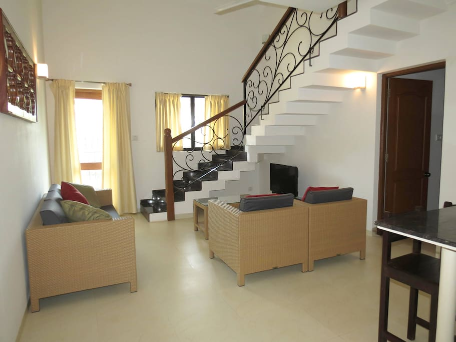 Apartment 04  Spacious luxurious 2 bedroom serviced apartment    WiFi photo 18376267