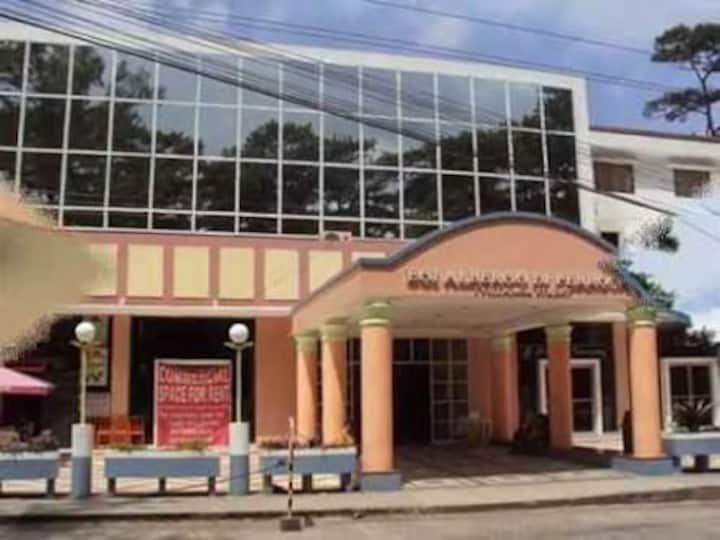 Condo 1, inside Albergo Hotel Across Tourist Spots