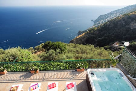 1.Apartment with Breathtaking View - Furore