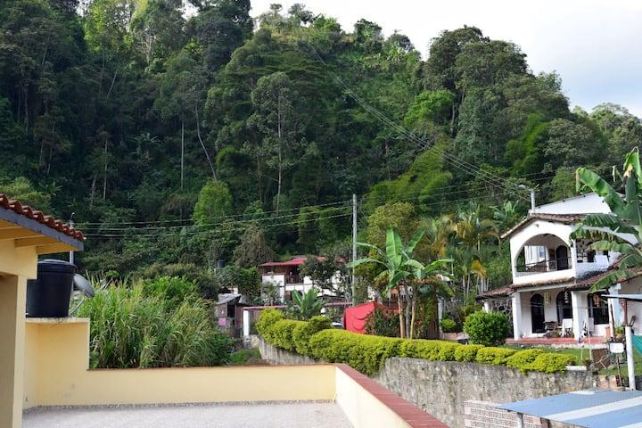 Habitacion GUACAMAYO