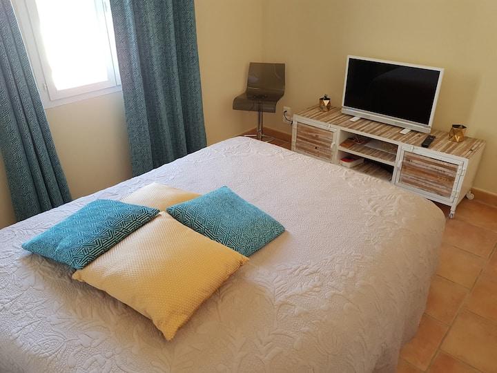 chambre double dans jolie villa