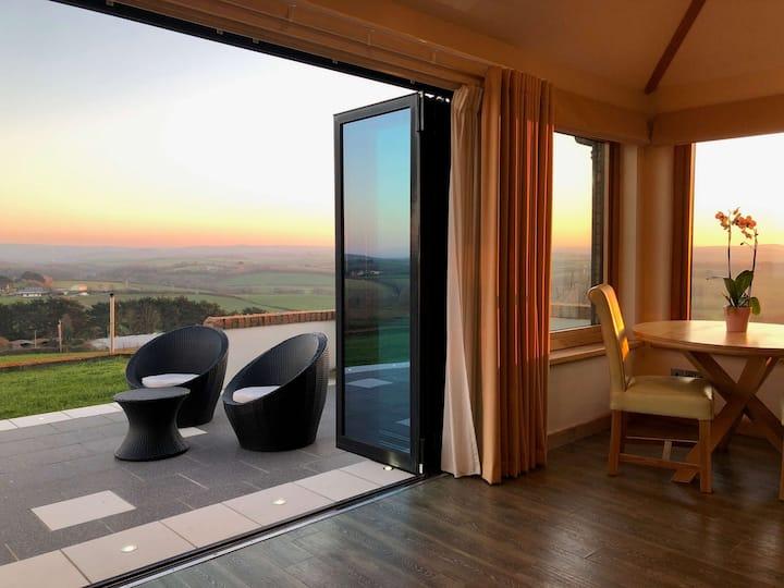 Shooting Star - Honeymoon Retreat in North Cornwall