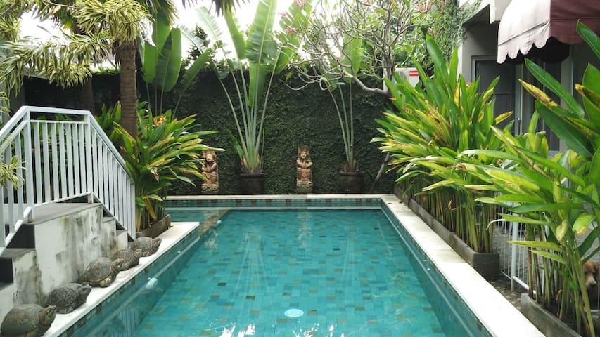 A Loft Apartment 6 w/ shared pool in Denpasar