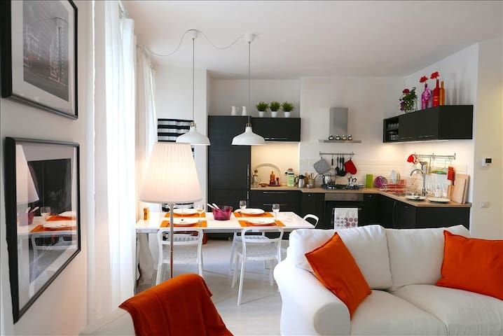 In Heart of Historic Siena, Il Cavallo Bianco, a Stylish and Modern 2 Bedroom Apartment,
