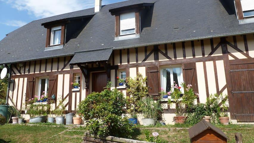 Fermette au coeur du Pays d'Auge - Saint-Léger-Dubosq - Domek gościnny