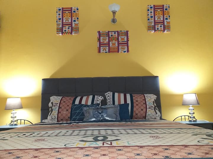 Mounlux, beau 2pieces meublées a marcory remblais