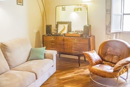 CAVALLERS High ceilings flat in Castello IUN P1306