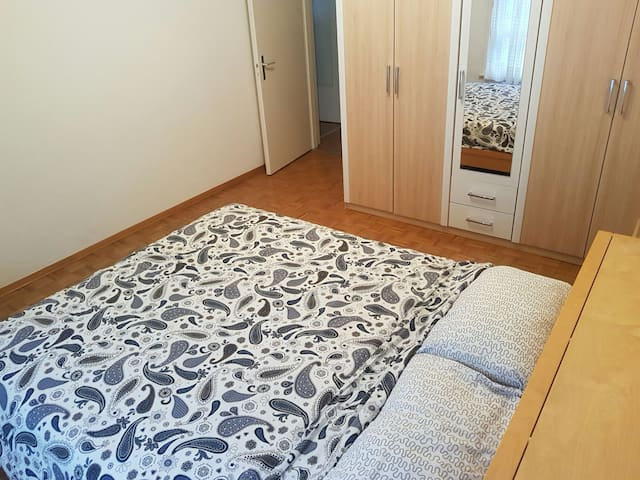 Apartment,10min from UN & Center, Garage available - Genève - Appartement