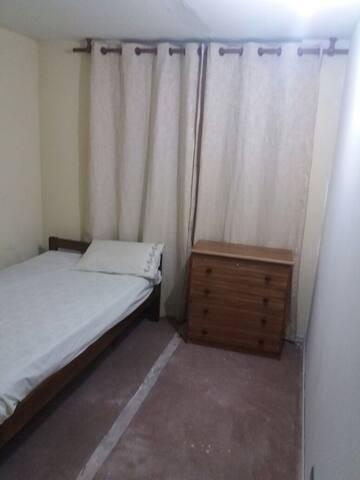 Habitación en tranquilo condominio