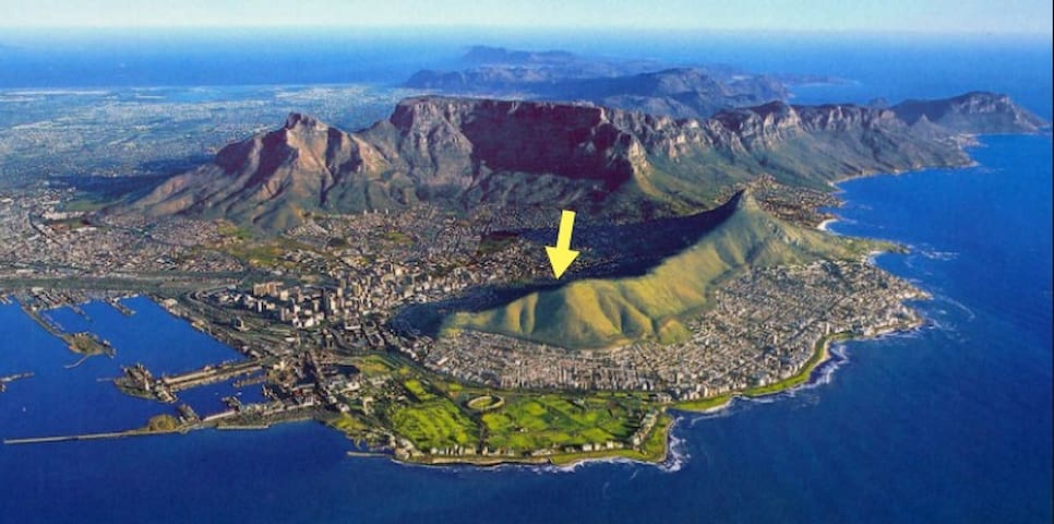 Best possible position in the trendy Tamboerskloof neighborhood. Quiet yet close to everything.