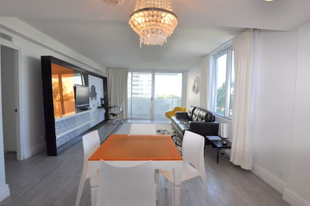 1BedroomKing W/Balcony 02L08 - Miami Beach