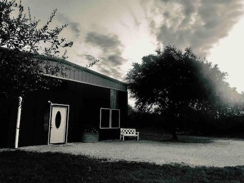Entire Home- BrokenRoad Farm