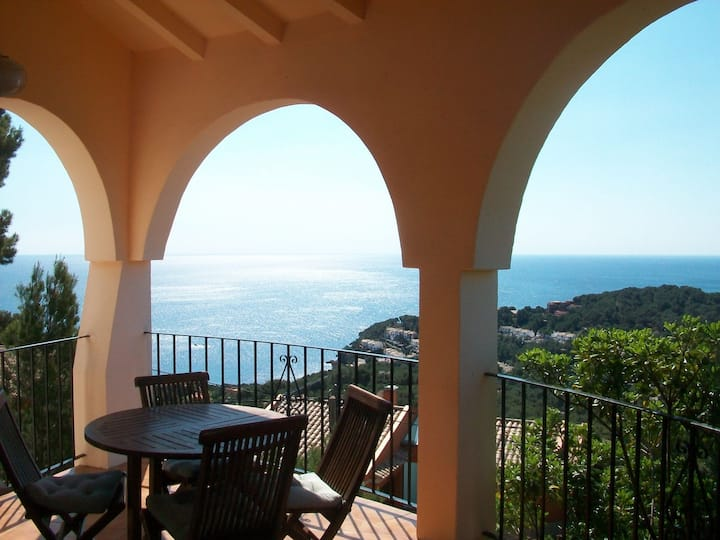 Sea Views & Private Pool in Begur, Costa Brava.