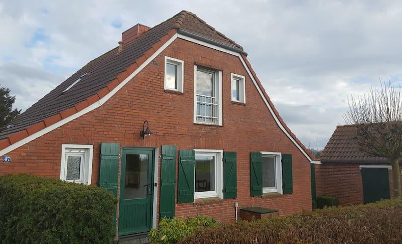 Haus JoMa, relaxen in Ostfriesland - Bunde - Dom
