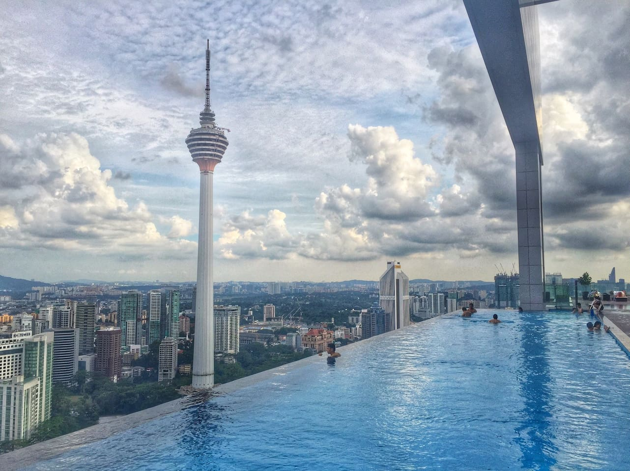 View from the sky deck -Infinity pool