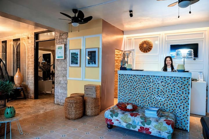 One room with breakfast in wow hotel in dumaguetee