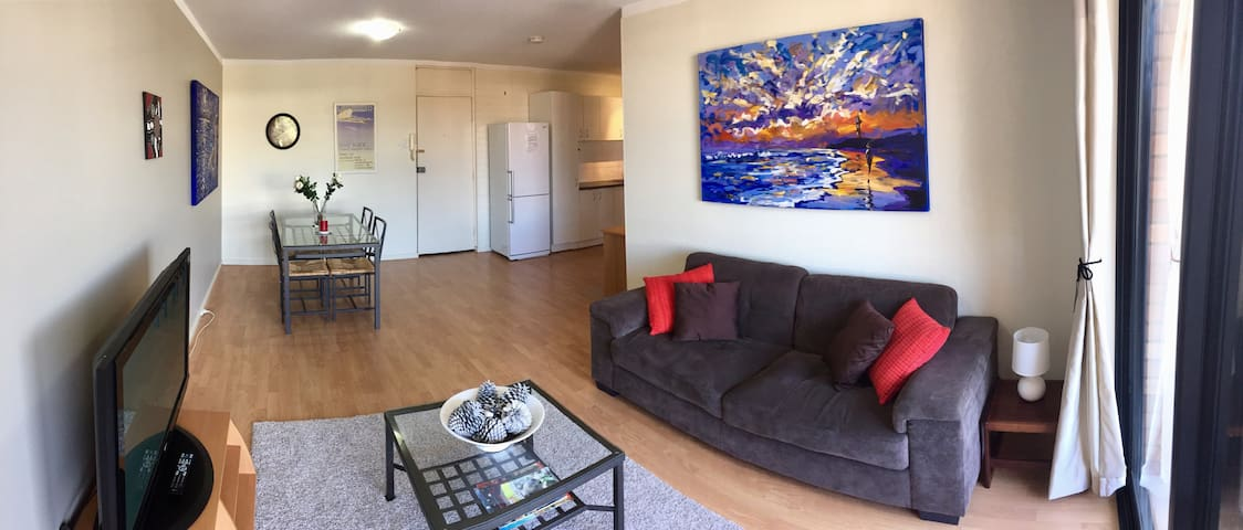 Neat private apartment - walk to beach/train/shops - Mosman Park - อพาร์ทเมนท์