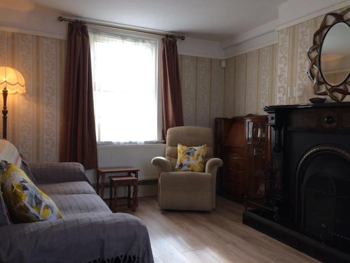 Kilkenny city 3 bedroom house with parking