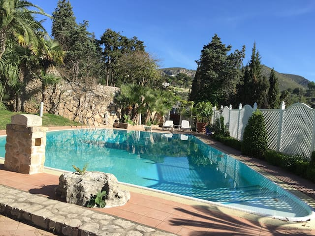 Apartment in villa with pool - Sperlonga