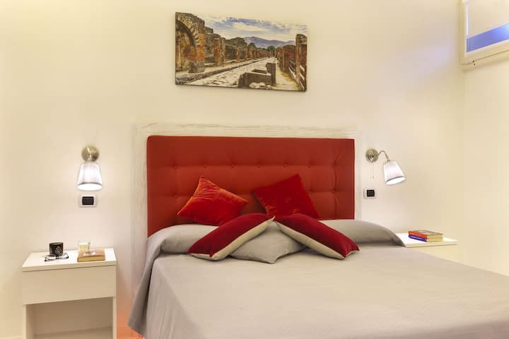 Double Room with Private Bathroom Sorrento Central