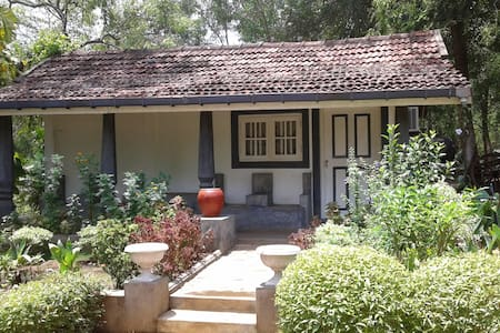 Saffron Nest 1 Double Bedroom Cottage - Dambulla