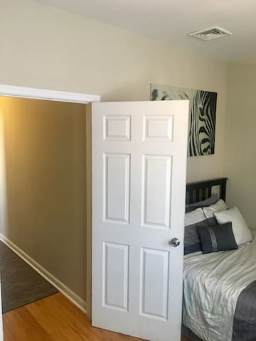 Cozy Private BR walkable to Center City - Philadelphia - Apartment