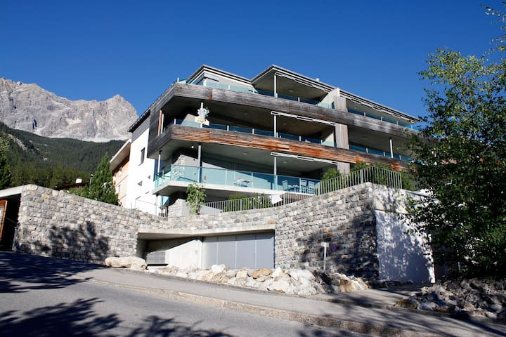 Sunny modern apartment in mountains - Savognin - Apartamento