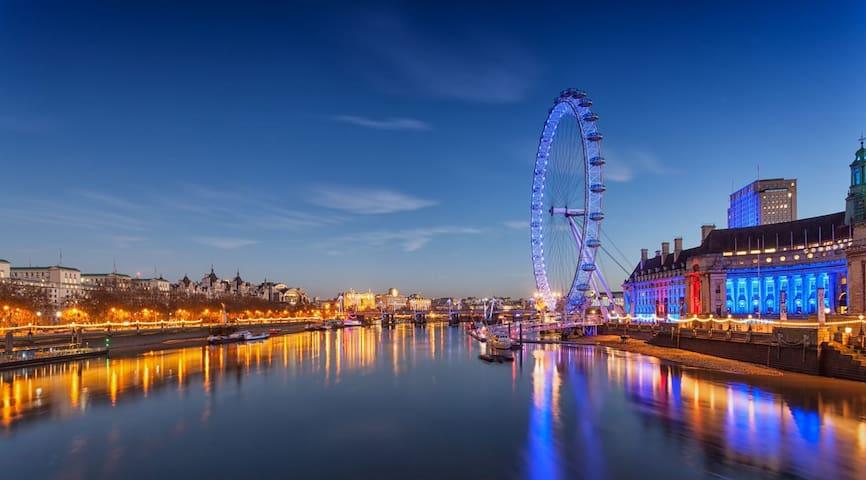 Walk to Big Ben & London Eye from Stylish 2 Bed