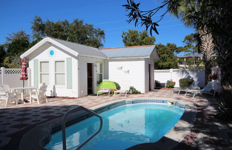 Sol Mate | Carriage home | sleeps 6 | heated pool - Destin - Huis