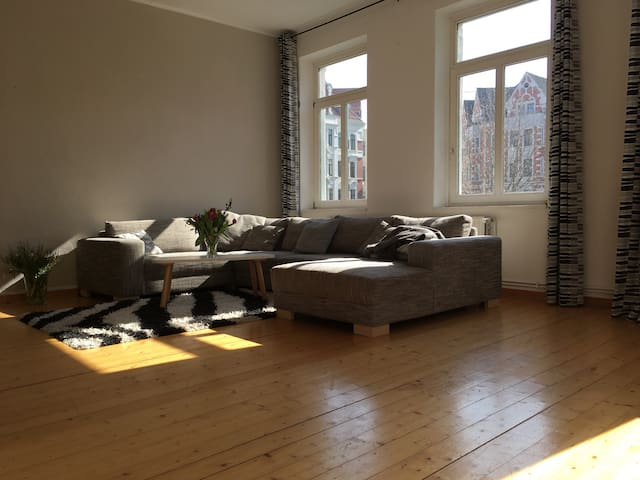 Beautiful room with comfy sofa bed - Hannover - Apartment