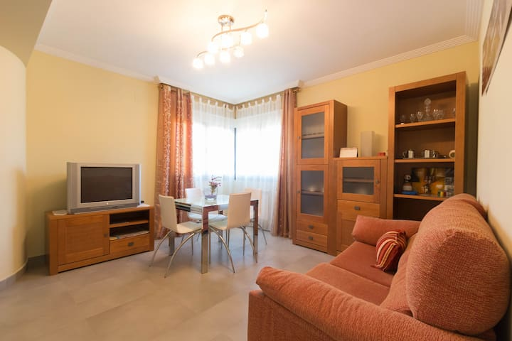 Comfortable house, 8 minutes from S - Pelabravo - House