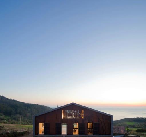 Casa de diseño con impresionantes vistas - Cedeira - บ้าน