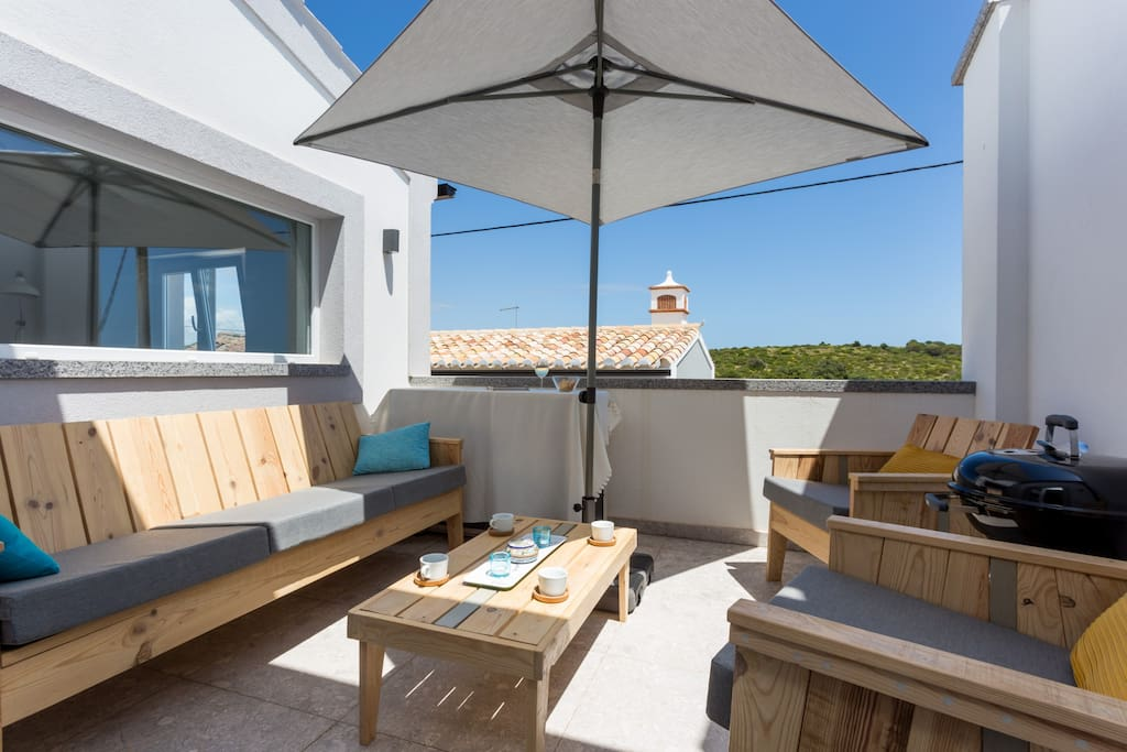 roof terrace with seaview, Zavial beach. Lounge set and barbecue.