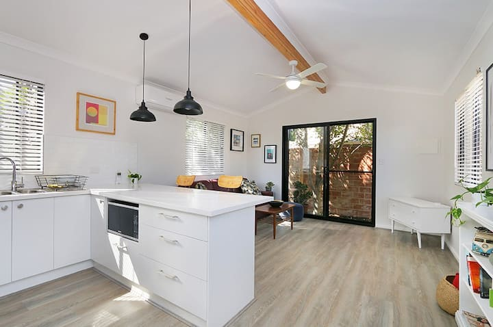 Comfortable, Stylish Flat in Heart of Fremantle