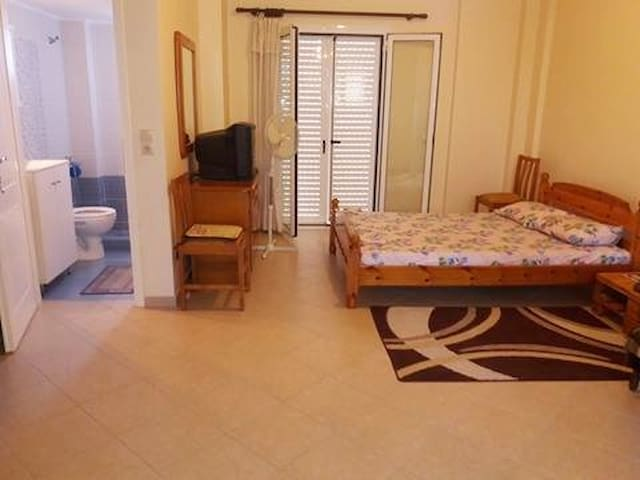 Comfort and cozy studio near the city center - Messinia - Haus