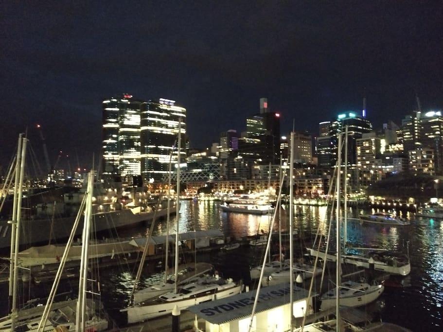 Darling Harbour 10 min walk